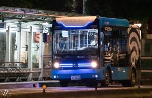 5G智慧公车于台北市信义路公车专用道夜间测试。图/台湾智慧驾驶提供