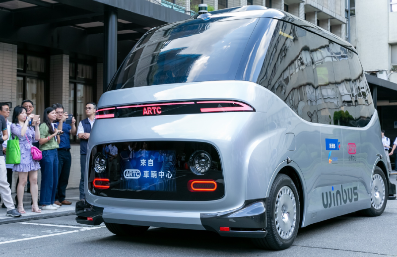 The WinBus, Taiwan's first homegrown pure-electric, self-driving minibus. (Photo courtesy of ARTC)