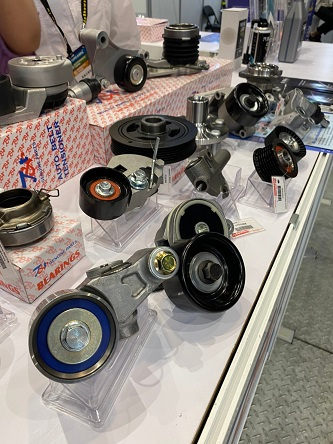 Miin Luen often sells its diverse auto parts to the Americas, the Middle East, and Africa. (Photo taken by Lin Yu-shuan)