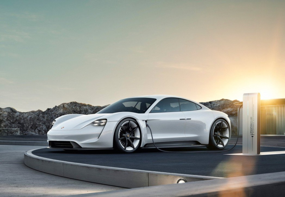 保時捷(Porsche)首款純電動車Taycan。(圖檔來源:聯合報系/Porsche提供)