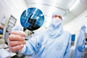 財政部認為晶片、面板是今年出口的兩大主力。(圖檔來源:聯合報系資料庫)