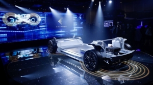 鴻海集團在去年10月發表MIH電動車軟硬體平台。(圖檔來源:聯合報系/歐新社)