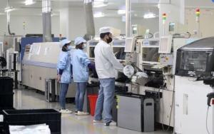 位於台南的經昌汽車電子公司引進SMT自動化設備,確保產品高品質。(圖檔來源:聯合報系)