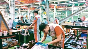 經濟部統計處昨(5)日公布,2020年製造業上市櫃公司研發費用逐年成長。圖檔來源:聯合報系