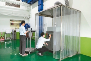 車輛中心建立國內第一套產氫系統量測與驗證設備,協助業者迎接綠能商機。車輛中心/提供