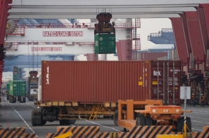 Container shortage continues impact on auto parts industry despite growth</h2>