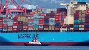 全球海運缺櫃、運力短缺與港口壅塞現象依然,預期至少持續到今年下半年。圖檔來源:路透