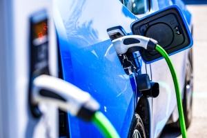 Taiwanese suppliers could fall behind in EV market warns Pegatron chairman </h2>