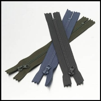 Painted No. 3 Plastic Zippers