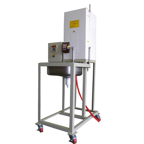 Thermal-steady Water Heater for Testing Thermal Resistance
