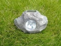 石头太阳能灯