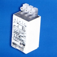 Electronic ignitors for discharge lamps