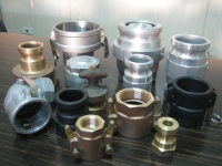 Large-caliber quick-release couplings