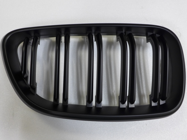 TUNING GRILLE FOR BM F22,  BLACK