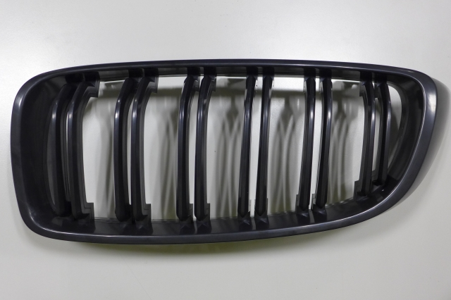 TUNING GRILLE FOR BM F32, GLOSS BLACK