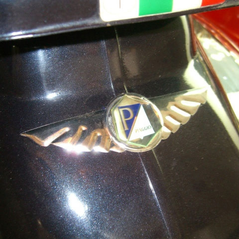Chrome-plated Decorative Wings for Vespa Piaggio Logos