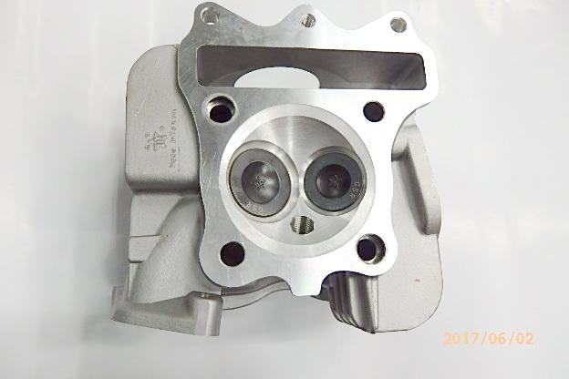 V125, 汽缸蓋