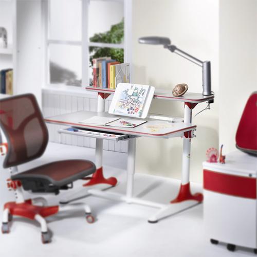 DE-101A Schubert-Series Children's Desk