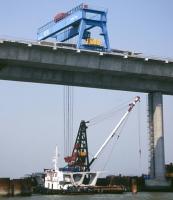 150吨龙门吊车