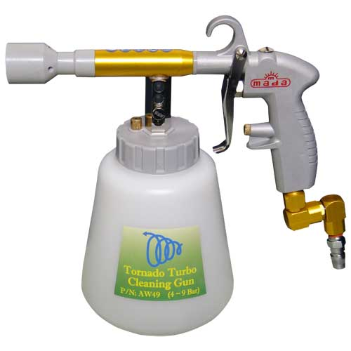 Pistol sprayer with bottle