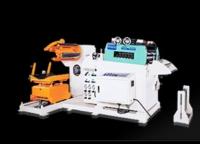 標準/ 精密型料架矯直機