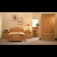 Round-post Bed Set