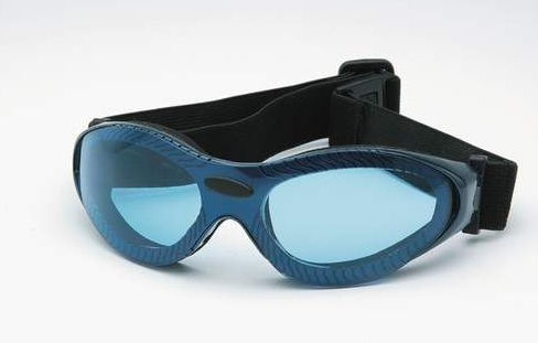 Sporting goggles