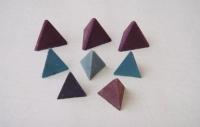 塑胶金字塔石