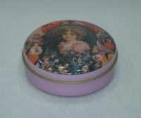 Candy Tins / Sewing kit