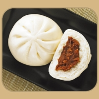 RED BEAN AND STEAMED BUN