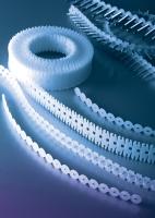 高密度聚乙烯塑胶条(PE链带螺丝塑胶条)