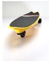 三轮冲浪滑板