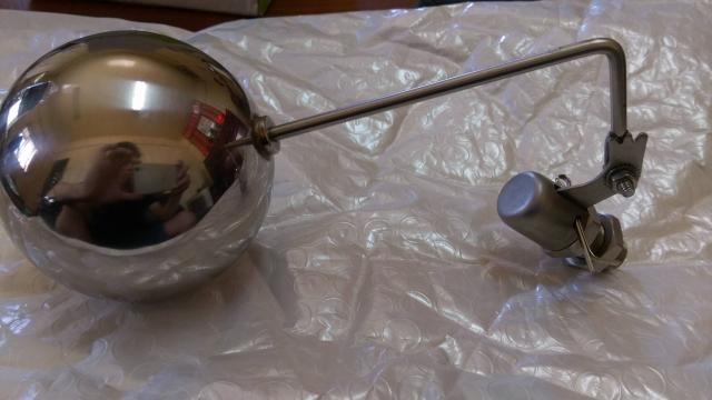浮球進水器