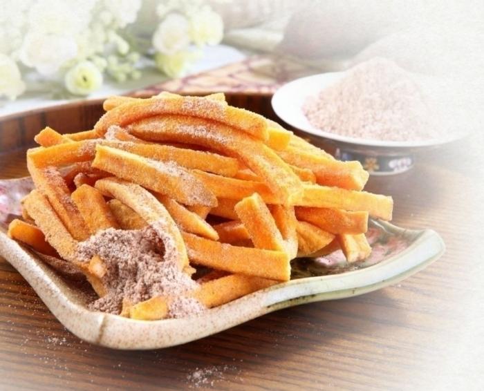 Plum-flavor vacuum-fried yam chips