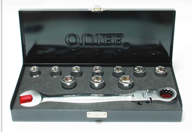 1+10 Bolt Extrator scoket w/Lockable Combination Ratchet Wrench
