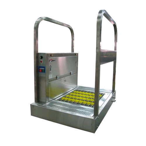 Clean shoes sole washing device