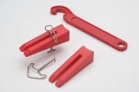 Polished quartz brick leveling system (Spade buckle)