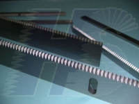 Progressive Horizontal Zig Zag Flow Wrapper Knives