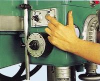 强力油压旋臂钻床