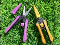Cens.com Flower scissors/Grass Scissors SUNG CHIEH INDUSTRY CO., LTD.