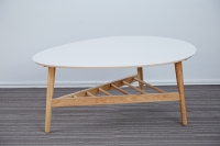 Egg type table