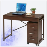 Wood-Grained Student Desk With Three Drawers デスクと三つ引出チエストセット