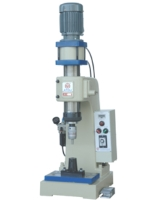 Pneumatic Riveting Machine