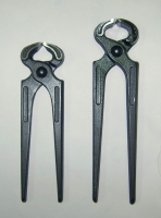 Carpenter pincer