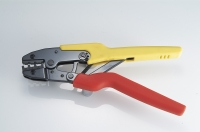 Crimping hand tool
