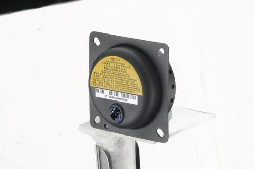 驾驶座安全气囊气体发生器