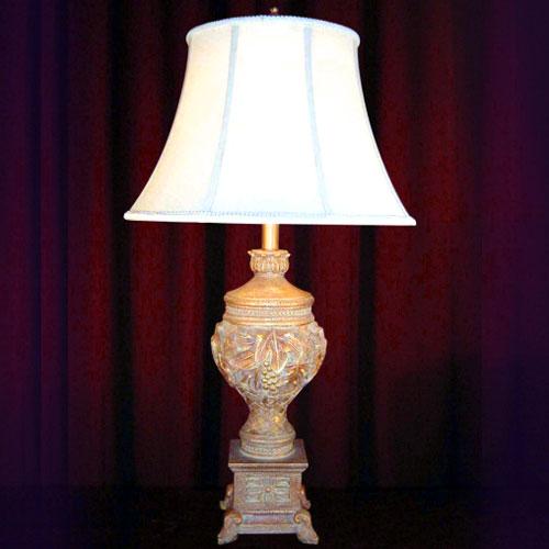 GRAPE TABLE LAMP