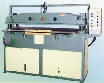 四柱式平面油壓裁斷機