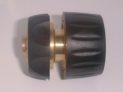 brass connector w/rubber grip