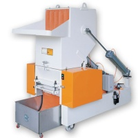 Bevel/claw cutter type granulator